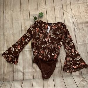NWT American Eagle Outfitters floral body suit
